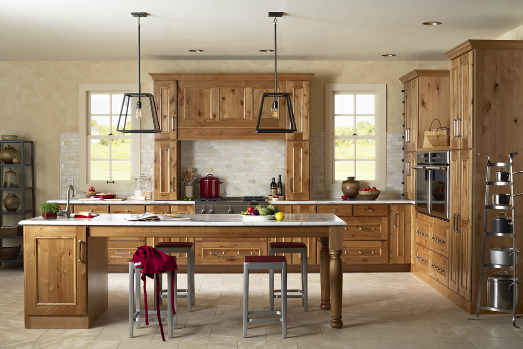 Rustic Alder Transitional Kitchen Design