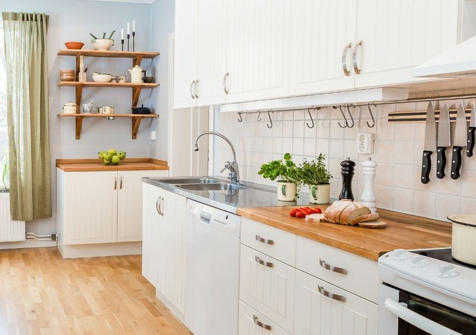 How To Properly Clean Your Kitchen Cabinets